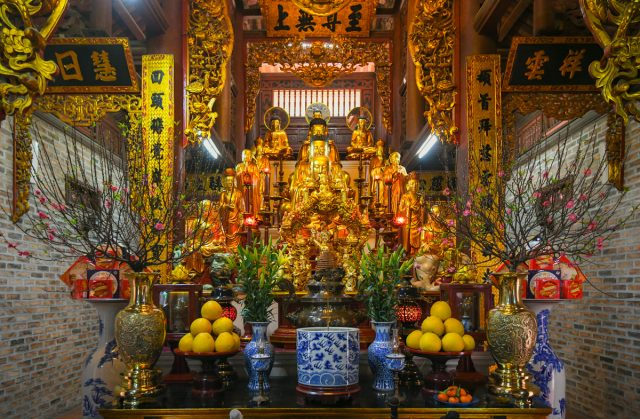 Tượng Phật tại chùa Hòe Nhai - Ảnh VnExpress