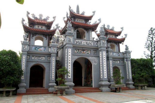 wanderlust-tips-chua-thai-lac-an-yen-giua-long-pho-hien2