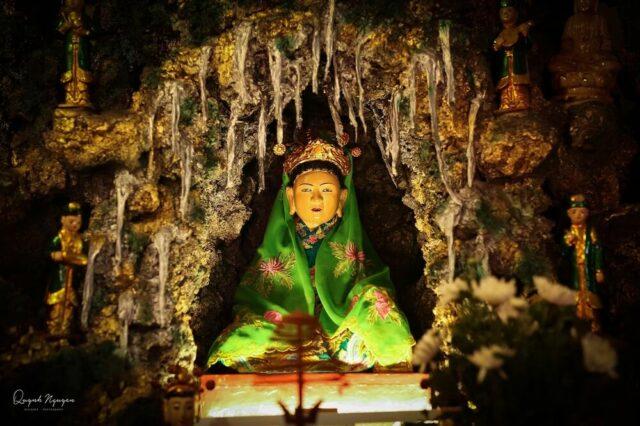 Tượng thờ Chầu Bà Đệ Nhị. Nguồn: FB Quỳnh Nguyễn