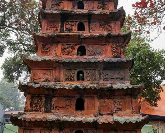 Tháp cổ Đền Đậu An. Ảnh Nguyễn Huân