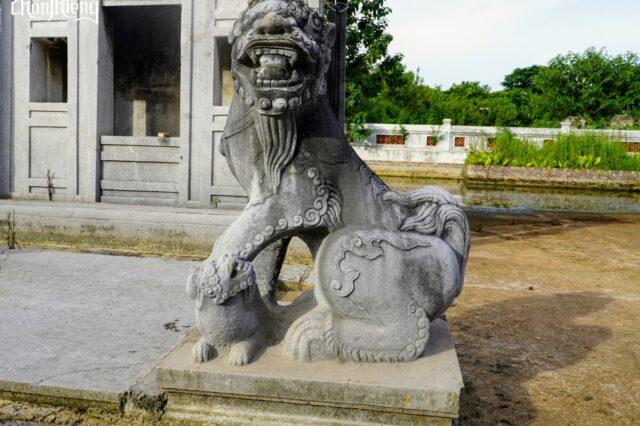 Lăng đá Quận Vân (1)