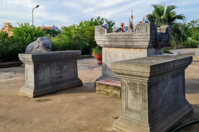 Lăng đá Quận Vân (3)