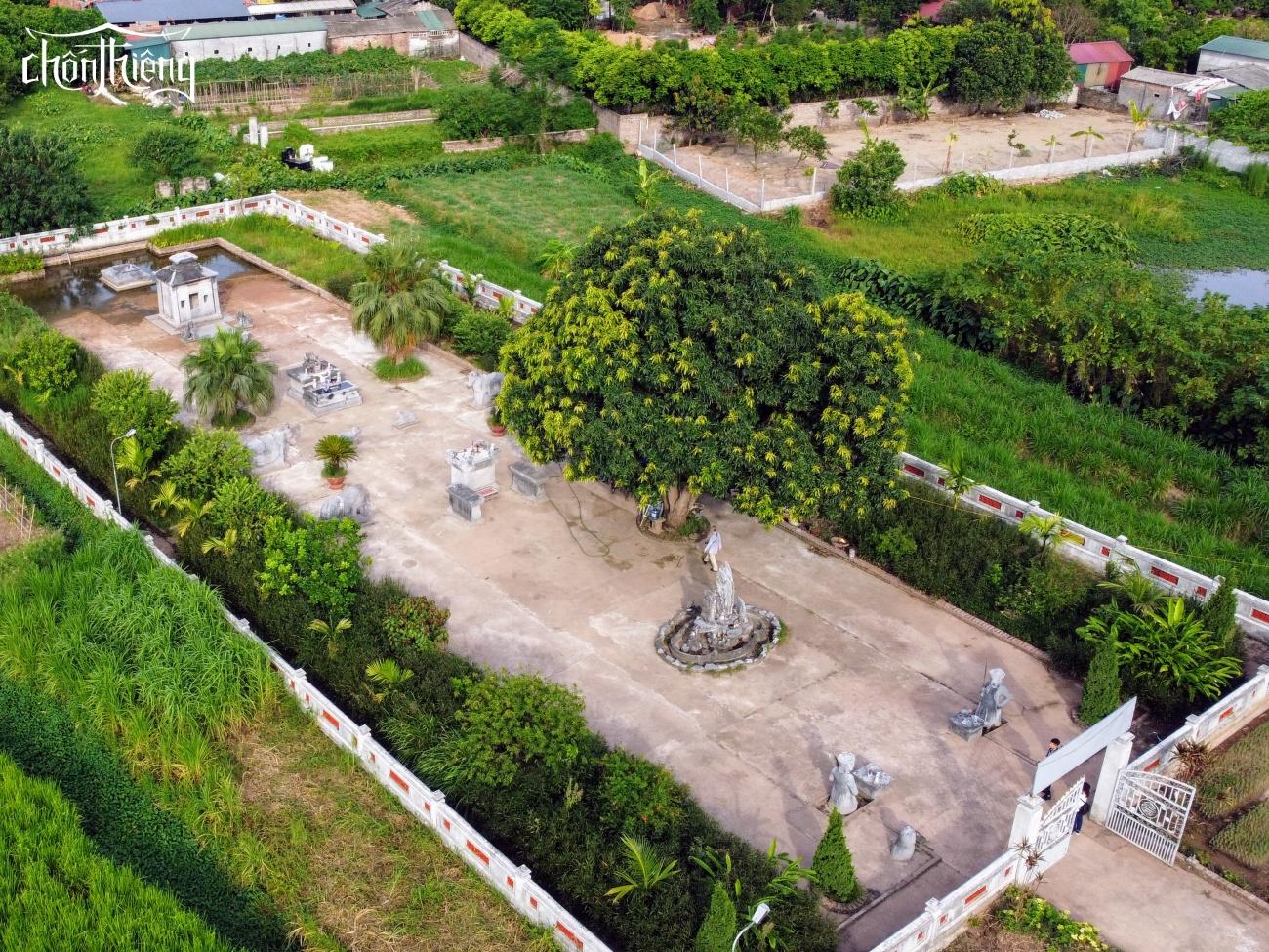 Lăng mộ đá Quận Vân (Thường Tín, Hà Nội)
