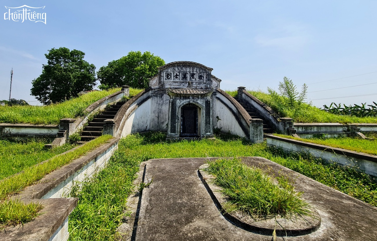 Lăng mộ cụ Dương Lâm (Ứng Hoà, Hà Nội)