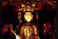 Tượng thờ Quốc Mẫu Tây Thiên
