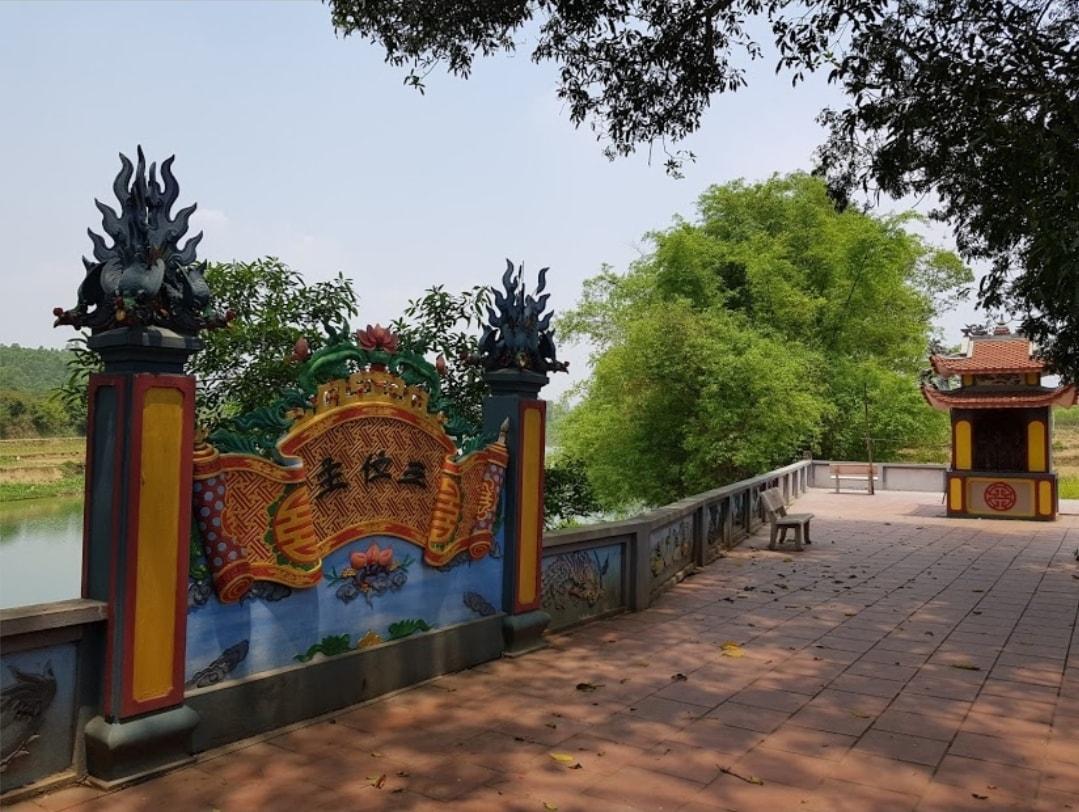 Đền thờ Chúa Bà Cà Phê (Hữu Lũng, Lạng Sơn)