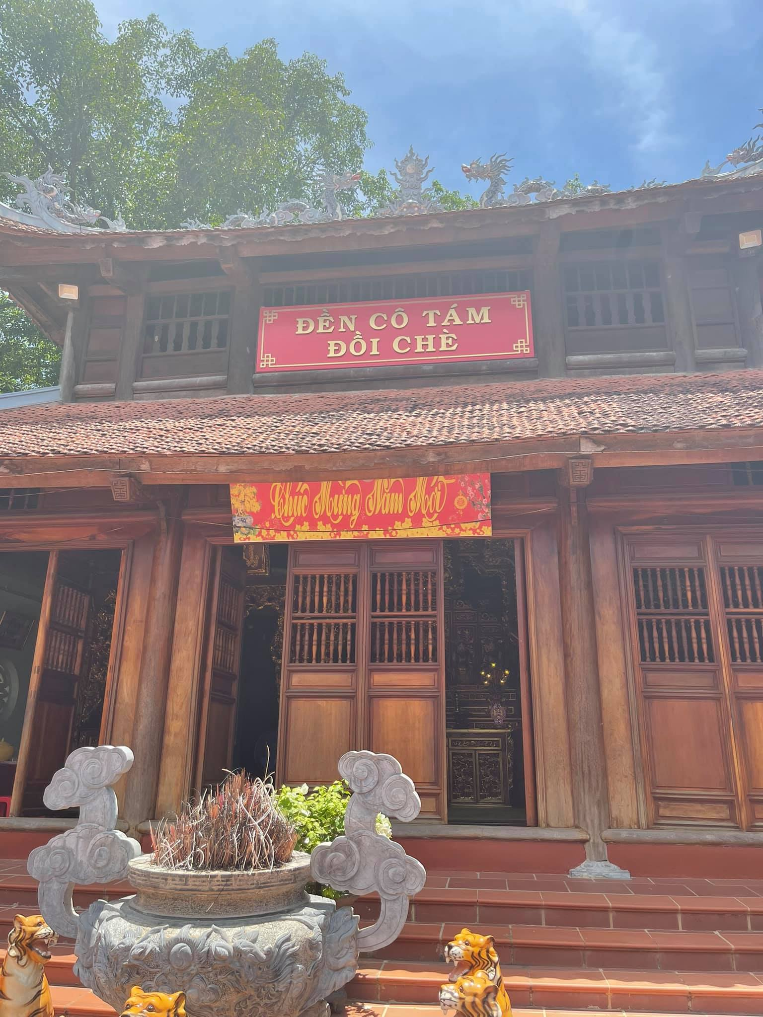 Đền Cô Tám Đồi Chè (Hà Trung, Thanh Hóa)