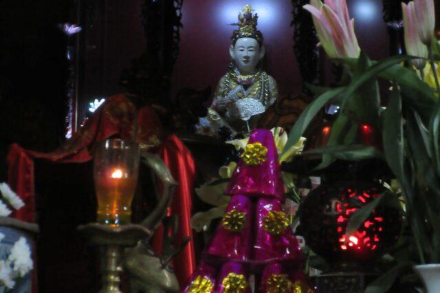 Đền Ghềnh (2)