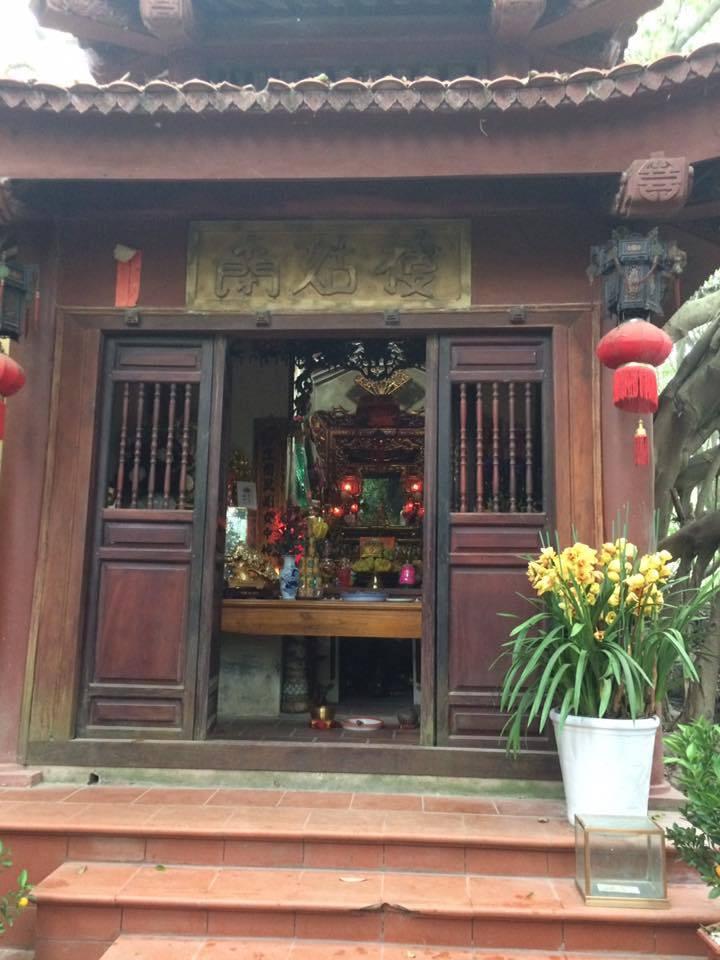 Đền Thờ Cô Bé Mỏ Than ( Tuyên Quang)